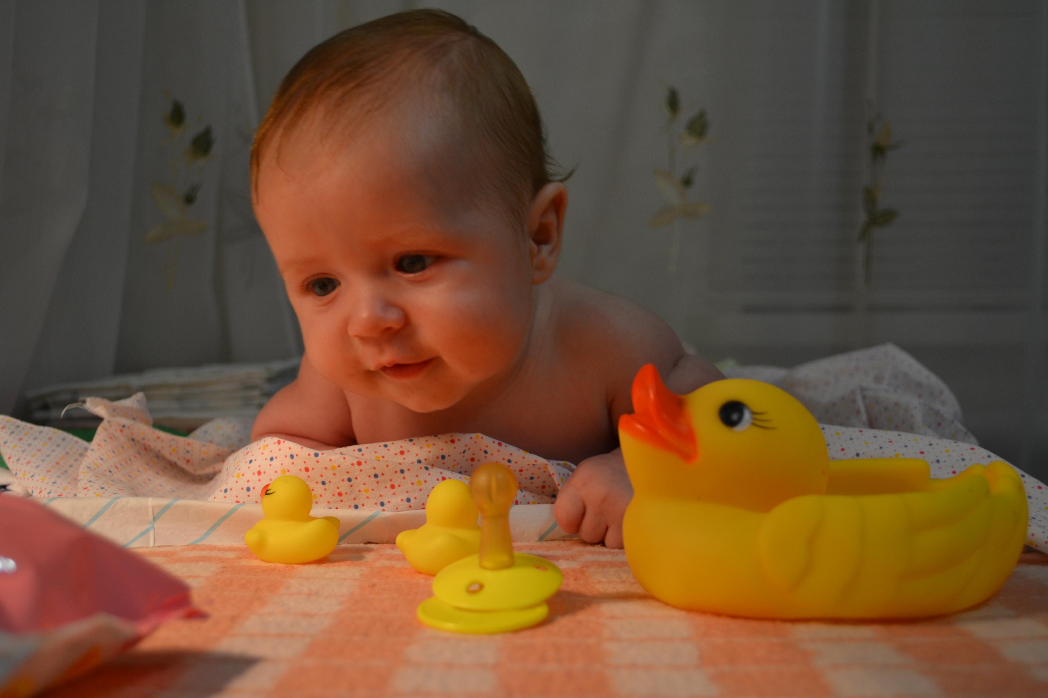 4 месяца ребёнок фото
